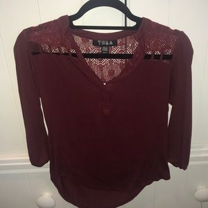 Maroon long sleeve, lace shoulders and back, vneck
